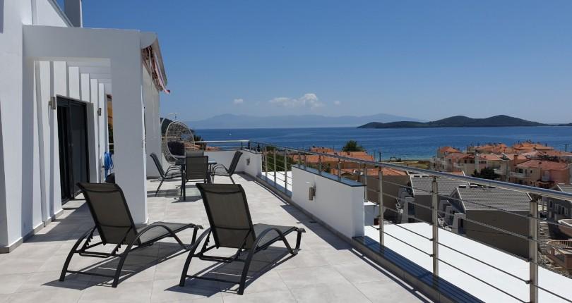 На море в Гърция-Неа Перамос